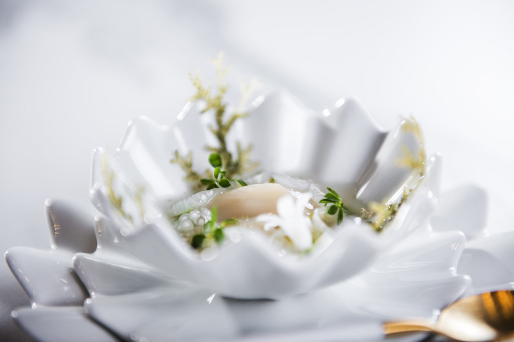 photo of a scallop dish served by Christopher Davidsen at his signature restaurant Speilsalen, at the Britannia Hotel in Trondheim, Norway.