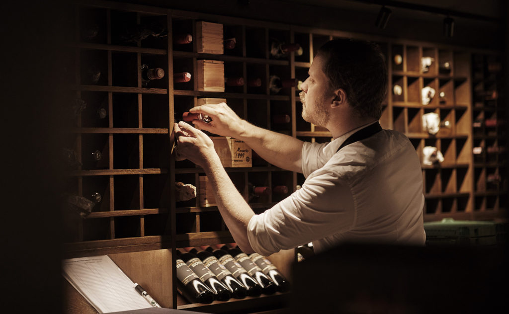 Britannia Hotel's wine cellar and bar, Vinbaren