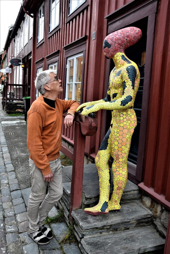ceramic artist Per Lysgaard, exhibiting at Britannia Hotel