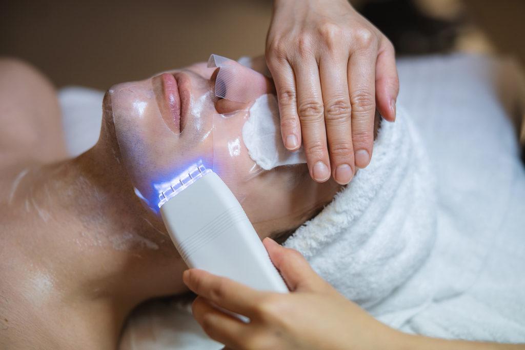 Elemis biotec facial treatment man Britannia Spa
