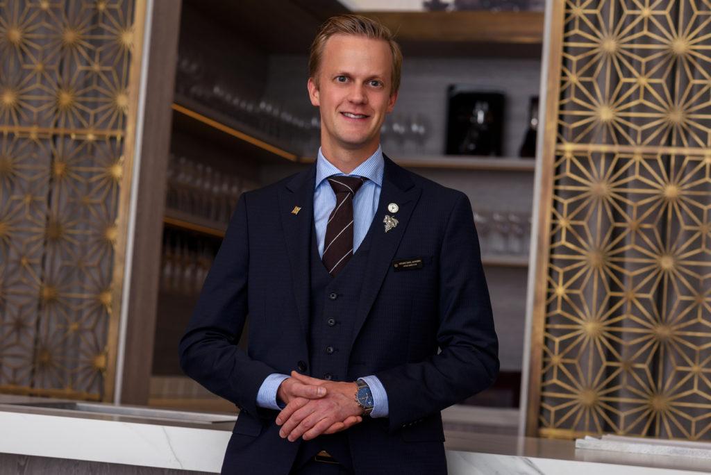 Henrik Dahl Jahnsen wins the Michelin Guide 2021 Sommelier Award.
